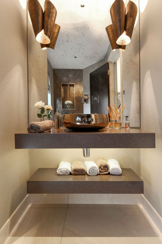 Contempory bathroom washbasin